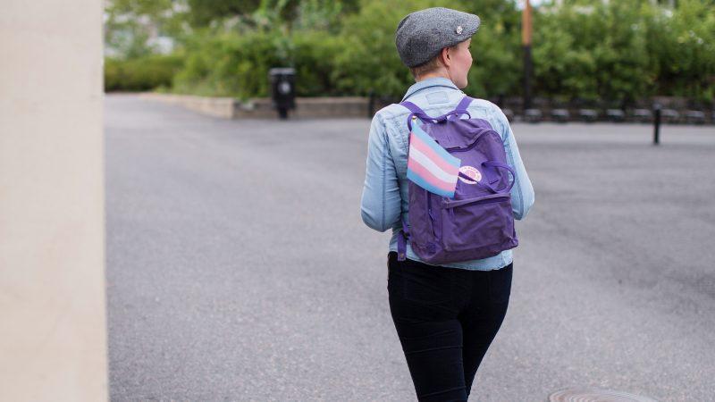 Sateenkaariemoji somessa riittää profiilin laatimiseen – Pietarilaiset koulut määrätty valvomaan lapsia laittomasti