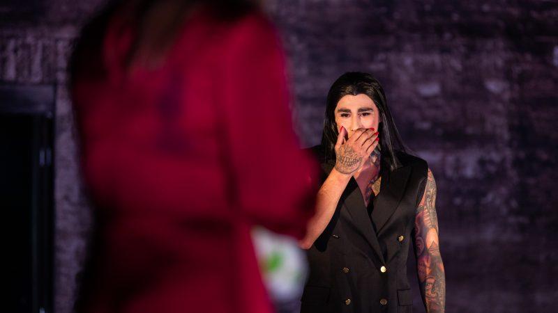 Saako mies näytellä transnaista? Keskustelutilaisuudessa pohdittiin teatterin vastuuta vähemmistöjen kuvauksen suhteen