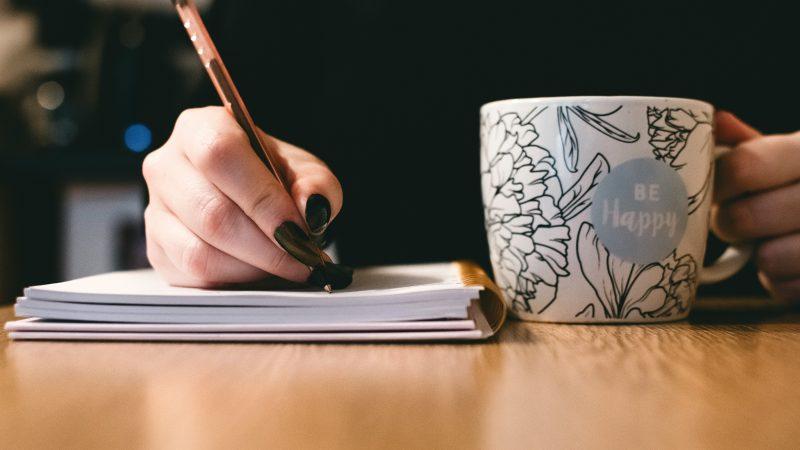 Miten ottaa vähemmistörepresentaatio huomioon kirjoittamisessa? – Kirjailijan viisi neuvoa