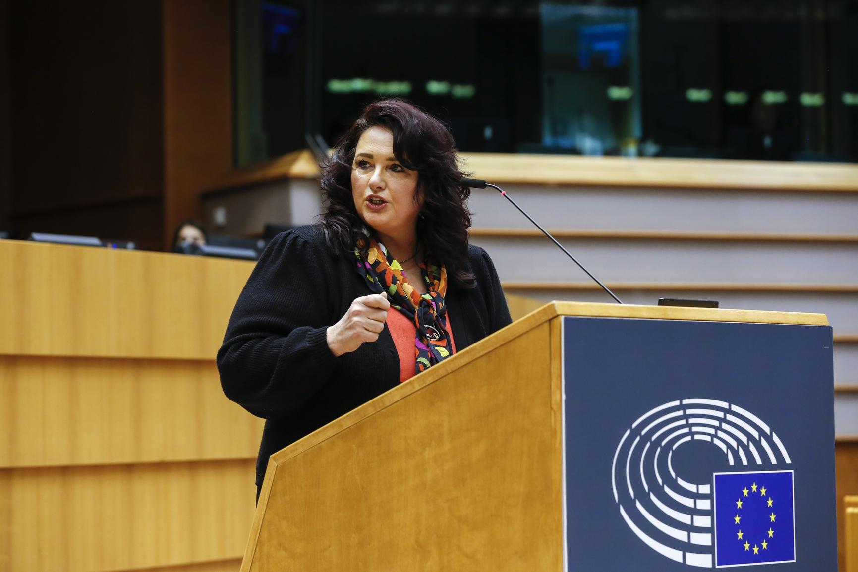 """Euroopan parlamentti julistaa EU:n """"LHBTIQ-vapauden alueeksi"""""""