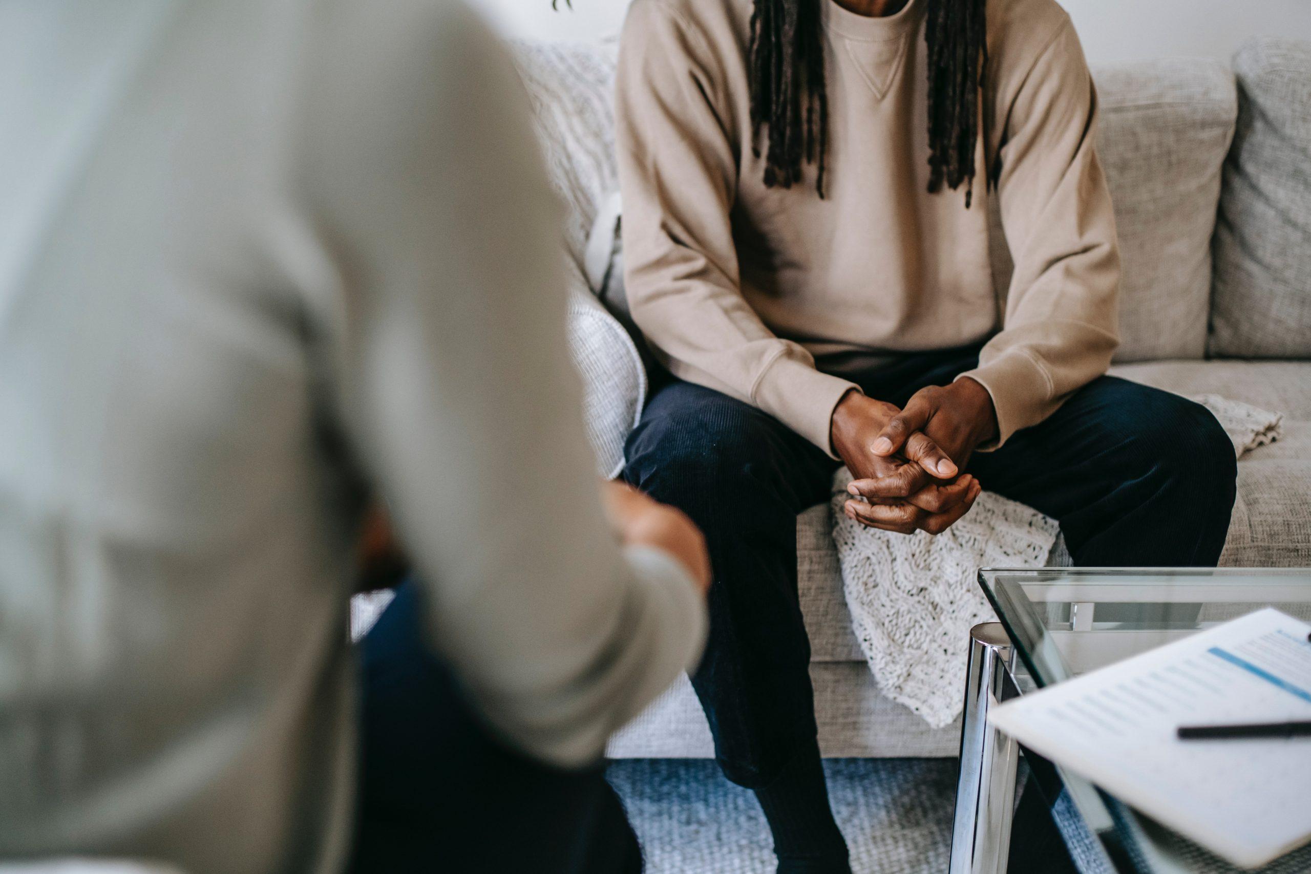 Suomen Psykiatriyhdistys tuomitsee eheytysterapiat kannanotossaan
