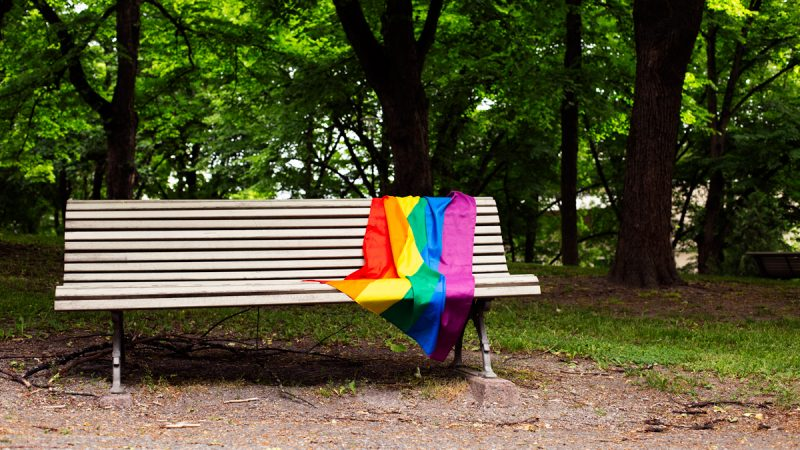 Enemmistö kuntavaalien poliisiehdokkaista vastustaa Pride-liputuksia