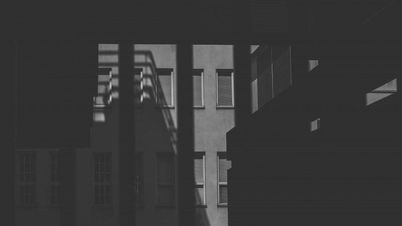 """Koulun tulehtunut ja turvaton ilmapiiri satuttaa yhdeksäsluokkalaista transnuorta – """"Tietämättömyys ei vapauta vastuusta"""""""